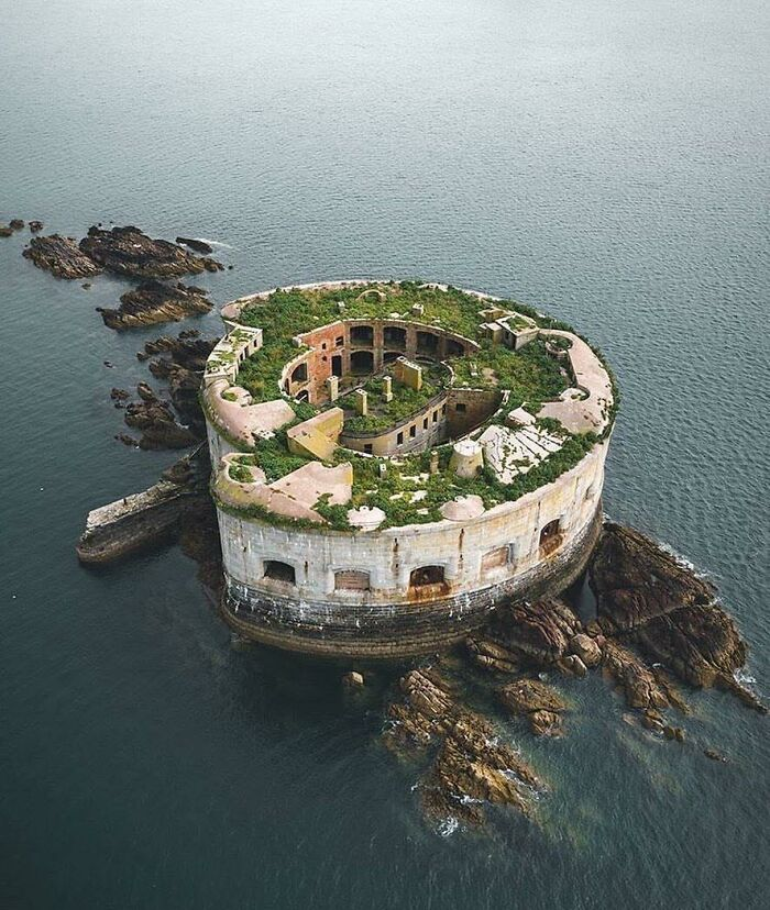 Who's Interested In Escaping Civilization And Buying Their Own Private Island In Wales? This Fixer Upper Sea Fort With Epic Views Is Now For Sale, It Was Last Upgraded In 1859!