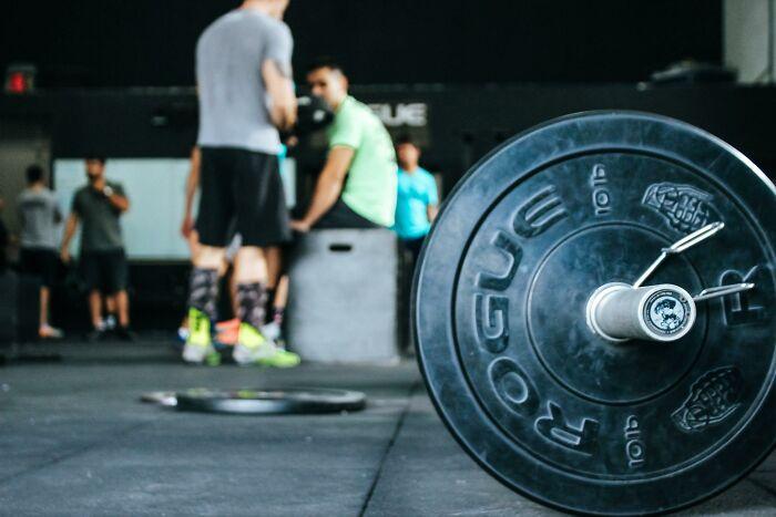 20 Hombres comparten sus opiniones sinceras sobre la dismorfia corporal