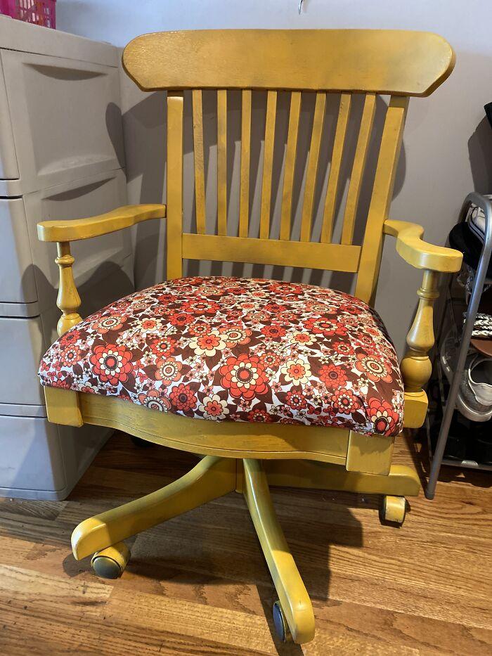 My Upsycled Chair I Redesigned. I Went Retro!