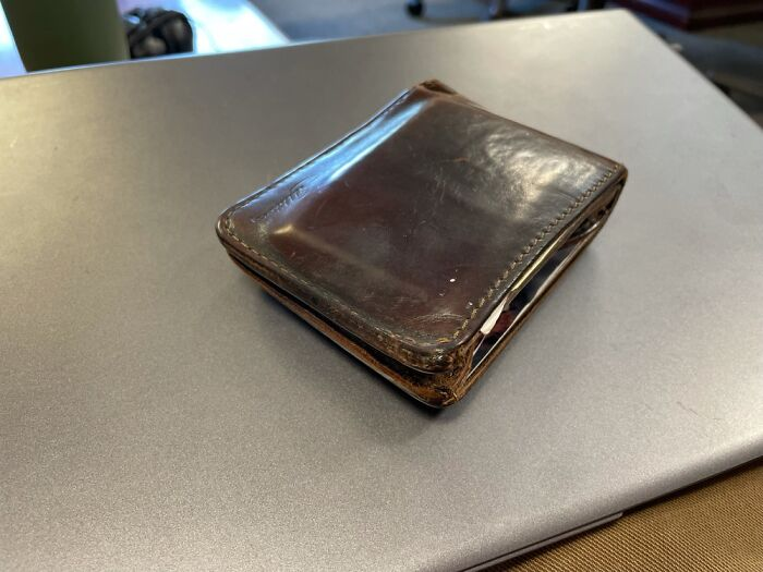 Saddleback Leather Bifold Wallet W/ 100 Year Warranty. 6+ Years Old And Holds Cards Like New.