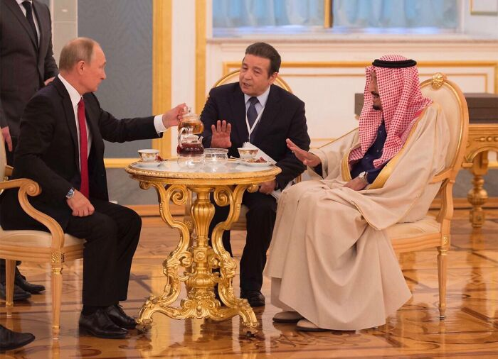 TFW Putin Offers Some Tea