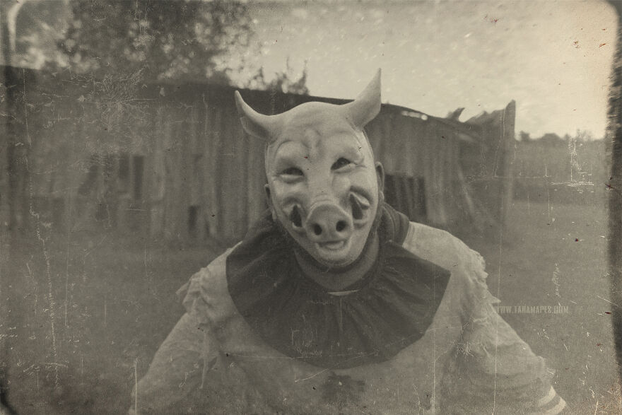 I Photographed Creepy Clowns In A Cornfield Because I Love Vintage Horror Halloween Images