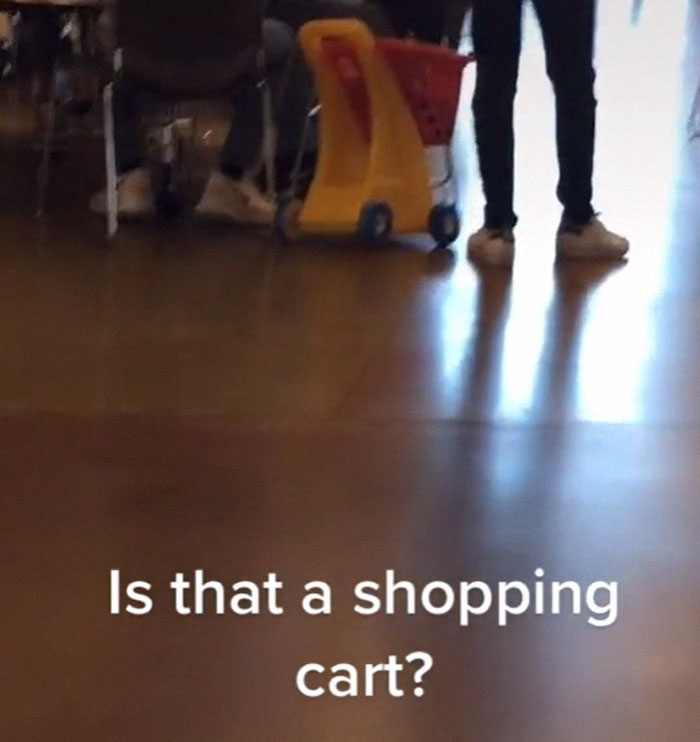 Students Can't Believe The Ridiculous US School Backpack Ban, Improvise With Random Household Items