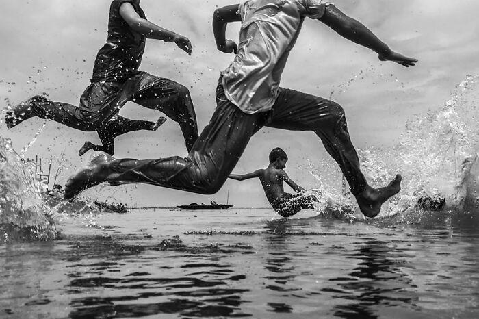 Hora de saltar por Takrim Ahmed