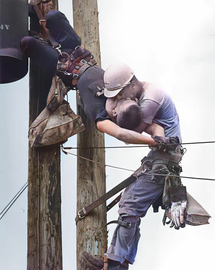 Randall Champion Accidentally Touched A High-Voltage Line, Electrifying Himself And Stopping His Heart