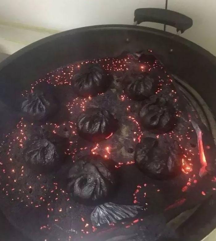 Empanadillas al vapor salidas del mismísimo infierno