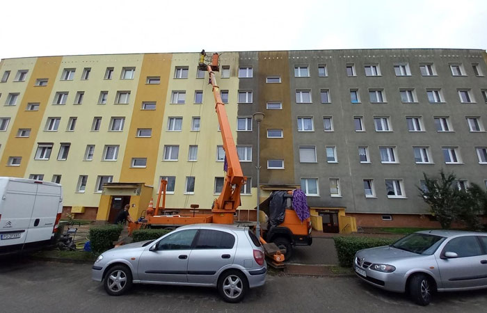 Power Washing A Whole Block In Poland