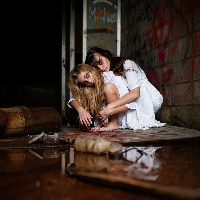 I Created A Creepy Photoshoot Series In Time For Halloween (26 Pics)