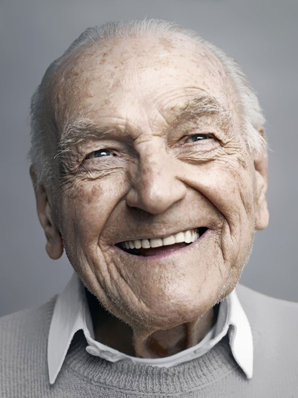 chat old man smiling