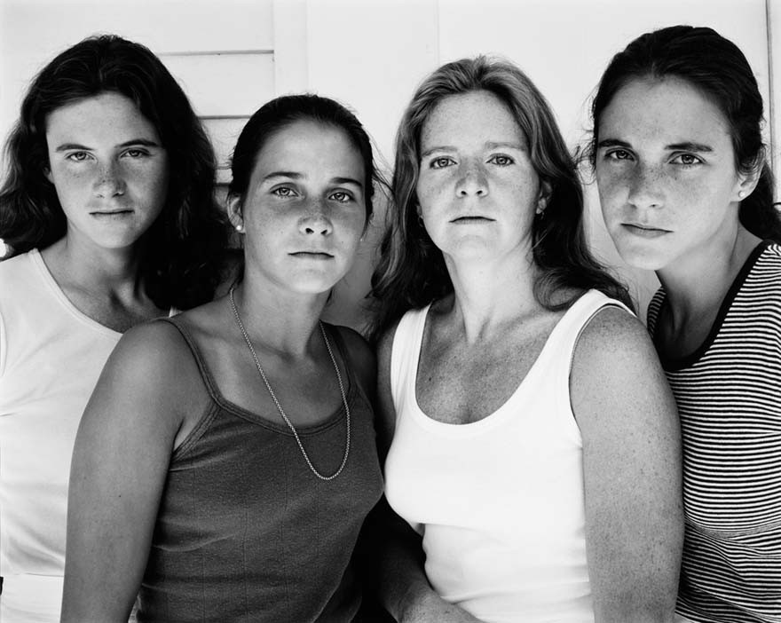 4 Sisters Take Their Photo Every Year For 36 Years