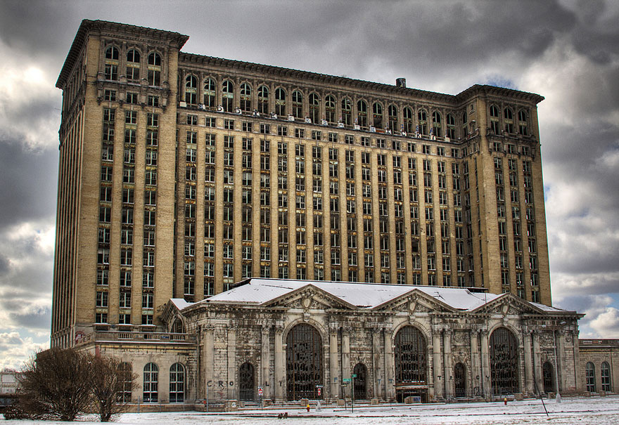 Haunting Images Of Abandoned Places That Will Give You Goose - The 7 spookiest cities in america