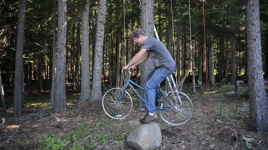 Best Bike App >> Guy Turns His Old Bike Into Pedal-Powered Treehouse ...