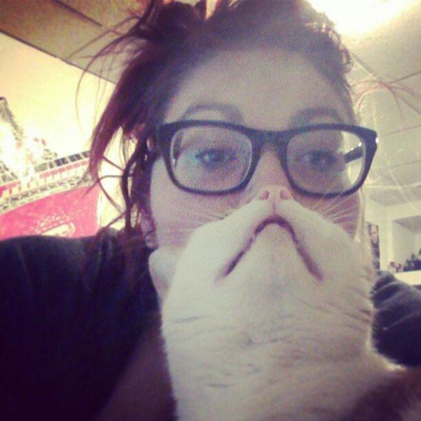 'Cat Beard' Craze Takes Internet By Storm