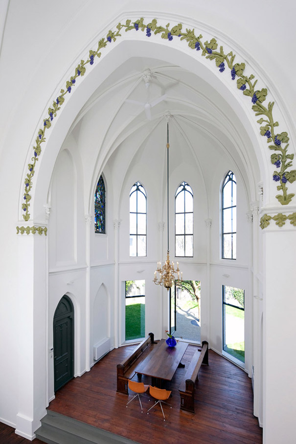 Churches converted into modern family homes bored panda - Homes in old churches ...