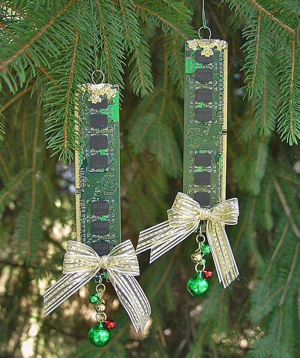 Christmas Tree Decorations Recycled: 20 Creative DIY Christmas Ornament Ideas
