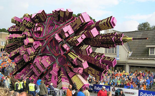 Gigantic Flower Sculpture Festival in Holland