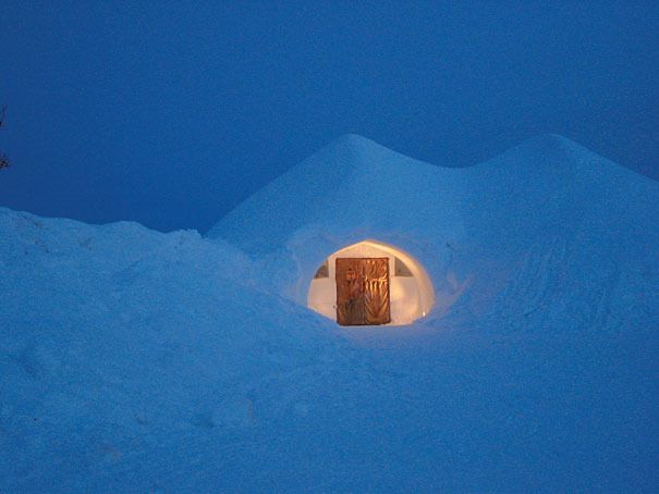 but if you think that itu0027s too comfortable the resort also offers a dozen traditional igloos made of ice so who else is going to finland with me