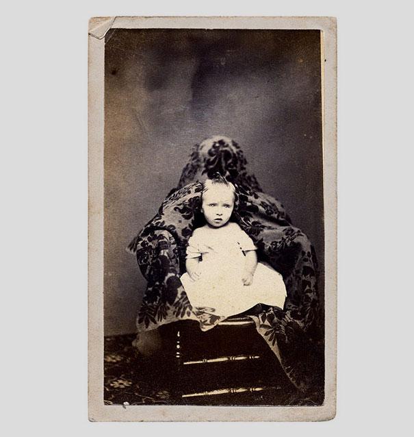 Hidden Mothers Spooky Photographs Of Victorian Babies