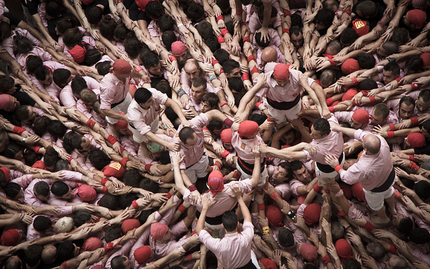 human-towers-catalonia-david-oliete-10