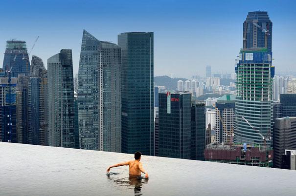 1 Infinity Pool On 55 Storey Marina Bay Sand Hotel In Singapore