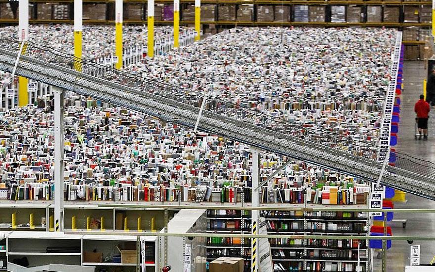Resultado de imagem para amazon warehouse