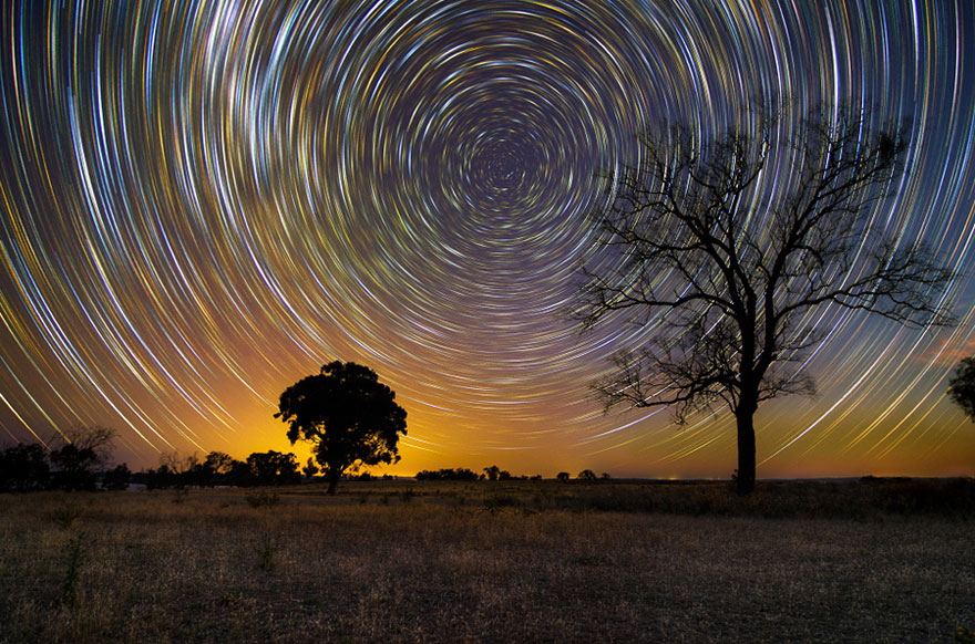 stunning long exposure shots of australian star trails bored panda. Black Bedroom Furniture Sets. Home Design Ideas