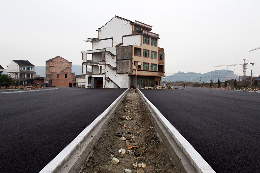 China's Government Paves a Highway Around Stubborn Homeowners