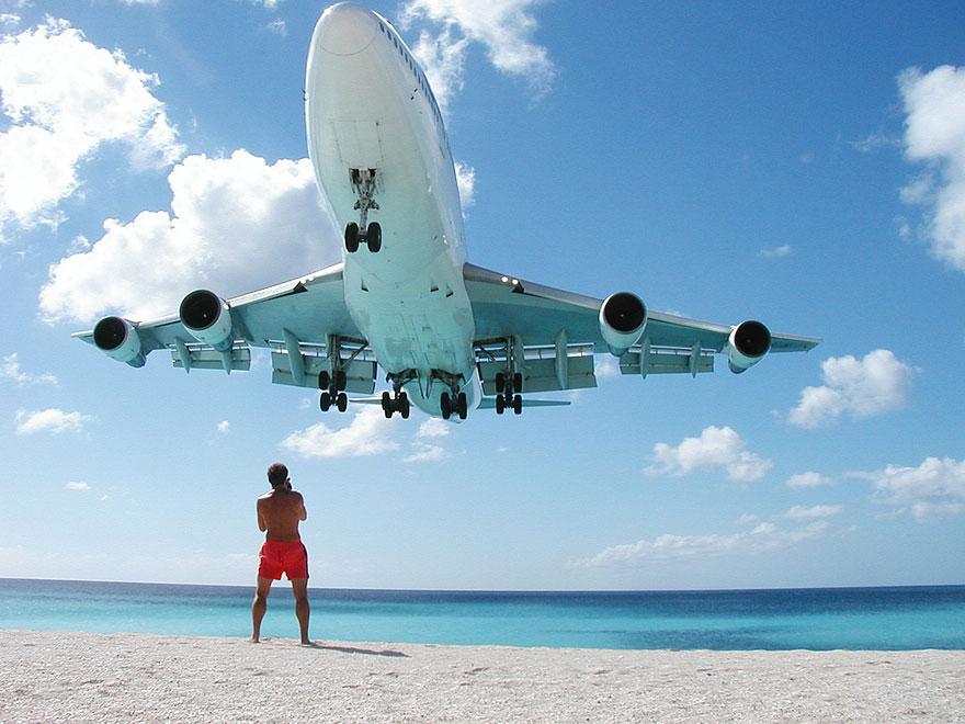 Extreme Plane Landings at Maho Beach, Saint Martin | Bored ...