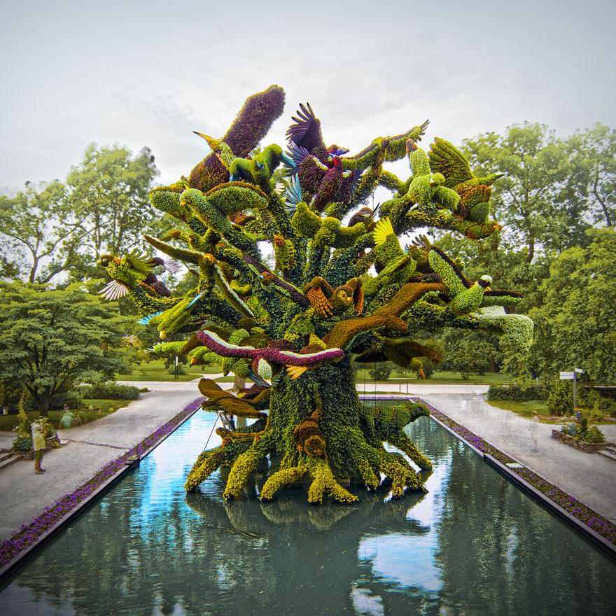Amazing plant sculptures at the montreal mosaiculture - Sculpture de jardin ...