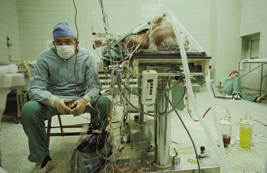 3 Heart Surgeon After 23 Hour Long Successful Transplant His Assistant Is Sleeping In The Corner