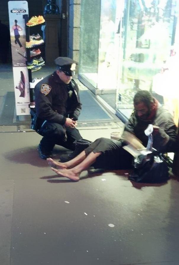 https://static.boredpanda.com/blog/wp-content/uuuploads/random-acts-of-kindness/random-acts-of-kindness-18.jpg
