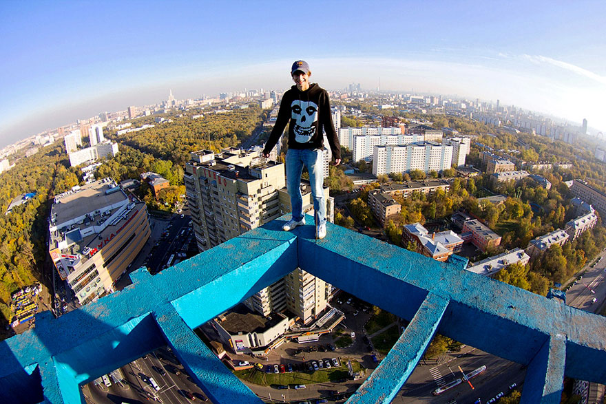 Heart Stopping Photos Of Russian Daredevils Taken Without