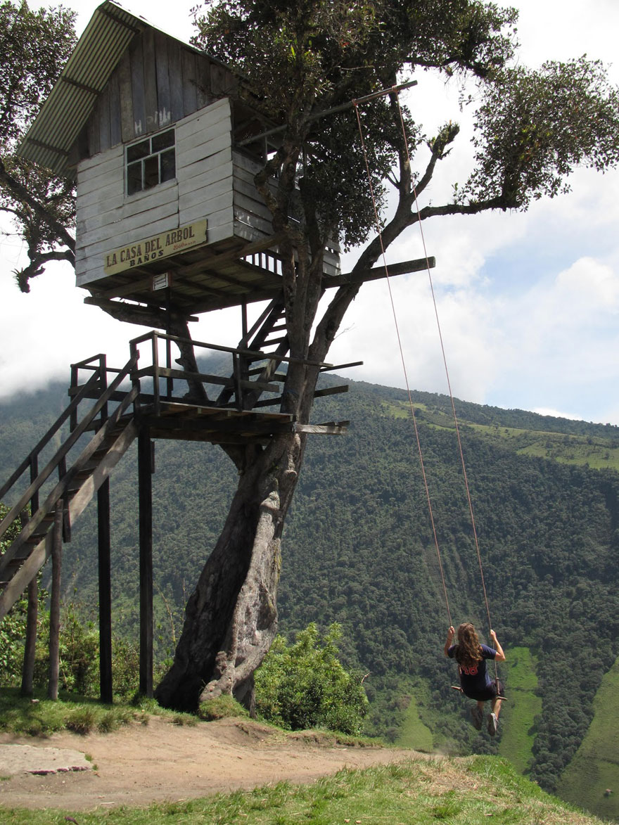 The swing at the end of the world lets you swing 2 600 for Casa del arbol cuenca