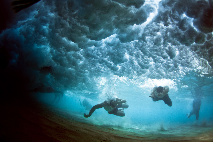 Stunning Underwater Photos of People Fighting Against the ...