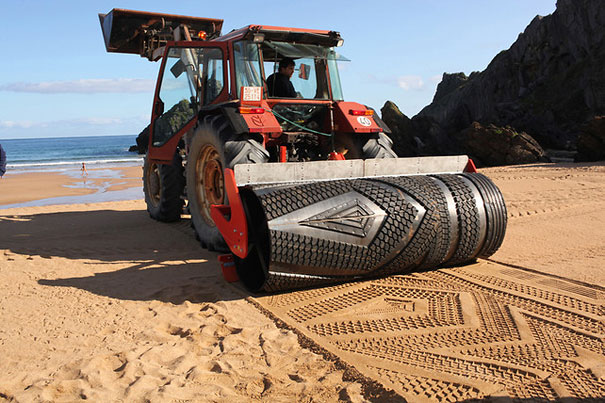 Tractor Creates Amazing Sand Art on the Beach
