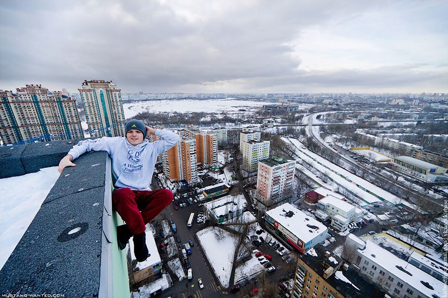 Dizzying Photos Of Ukrainian Daredevil Hanging From Tall
