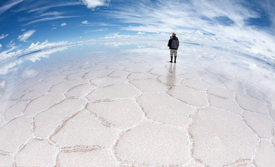 Salar de Uyuni One of the World's Largest Mirrors Bolivia