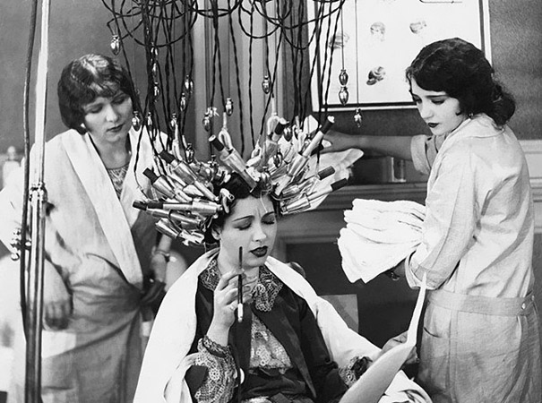 1920s beauty salon